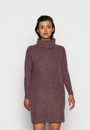 ONLJANA L/S COWLNECK  - Pletené šaty - rose brown