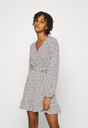 JDYSORO WRAP DRESS - Day dress - cloud dancer/black