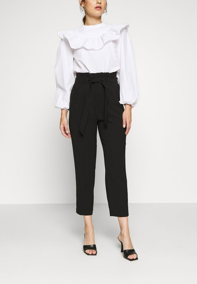 ONLSURI AINA PANTS - Pantaloni - black