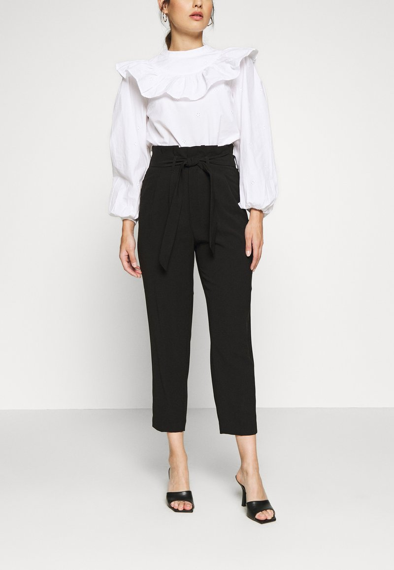 ONLY Petite - ONLSURI AINA PANTS - Kalhoty - black