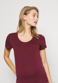 Cotton On Body - MATERNITY GYM TEE - Basic T-shirt - mulberry - 3