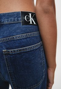Calvin Klein Jeans - Relaxed fit jeans - dark blue utility - 3