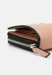 Calvin Klein - WALLET FLAP  - Wallet - pink - 3