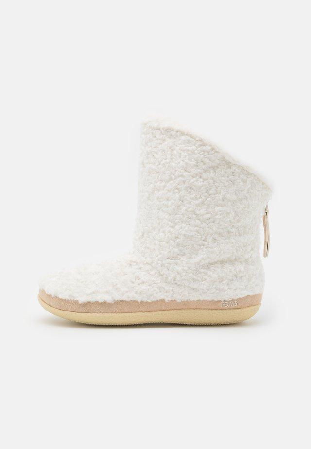 INEZ - Korte laarzen - natural