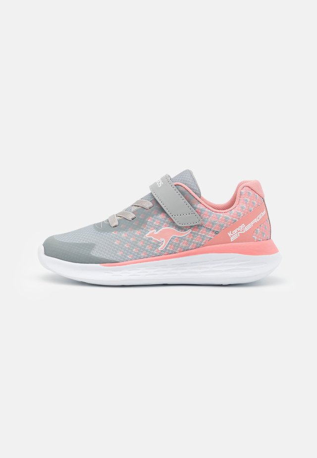 KQ-BRISK - Sneakers laag - vapor grey/dusty rose
