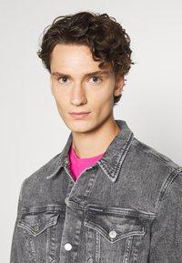Calvin Klein Jeans - FOUNDATION JACKET - Džínová bunda - grey - 3