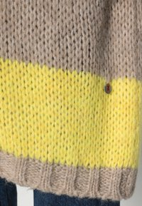 Frieda & Freddies - Kofta - yellow cab - 4