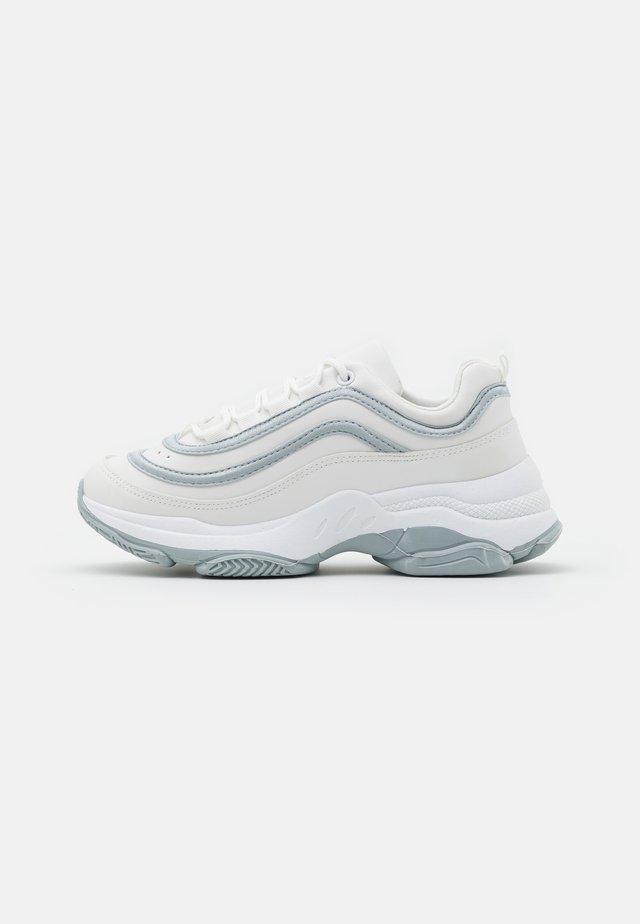 VEGAN LIZZIES - Sneakers - white/silver
