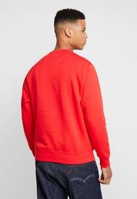 Nike Sportswear - CLUB - Sweatshirt - university red/white - 2