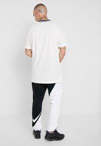 Nike Sportswear - PANT - Træningsbukser - black/white - 2