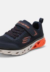 Skechers - GLIDE STEP - Sneakers laag - navy/blue/orange/black - 6