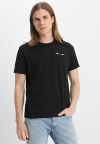 Champion Reverse Weave - CLASSIC APPLIQUE TEE - Basic T-shirt - black - 2