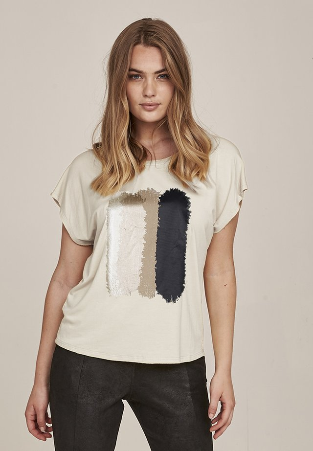GANIKA - T-shirt print - vanilla mix