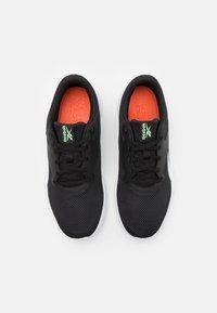 Reebok - FLEXAGON ENERGY TR 3.0 MT - Obuwie treningowe - core black/footwear white/neon mint - 3
