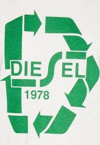 Diesel - T-SILY-V32 T-SHIRT - Print T-shirt - offwhite - 2