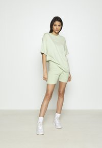 Missguided - COORD & CYCLING  MISSGUIDED SET - Shorts - green - 1