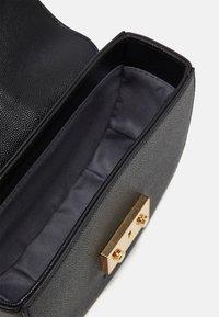 Seidenfelt - ROROS MOON - Across body bag - black/gold-coloured - 2