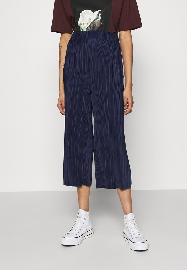 POPPY PLEATED CULOTTE - Kangashousut - navy blue