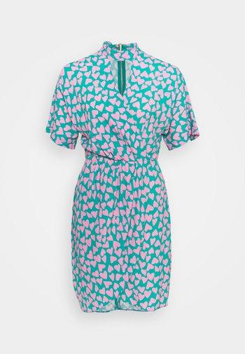 CLOSET KIMONO WRAP PENCIL DRESS - Sukienka koktajlowa - pink