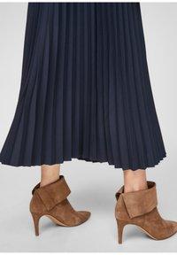 s.Oliver - A-line skirt - blue - 6
