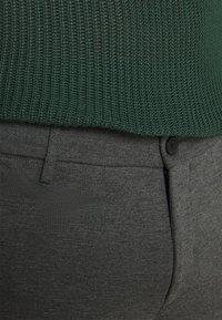 Redefined Rebel - PRINCE PANTS - Kangashousut - dark grey - 3