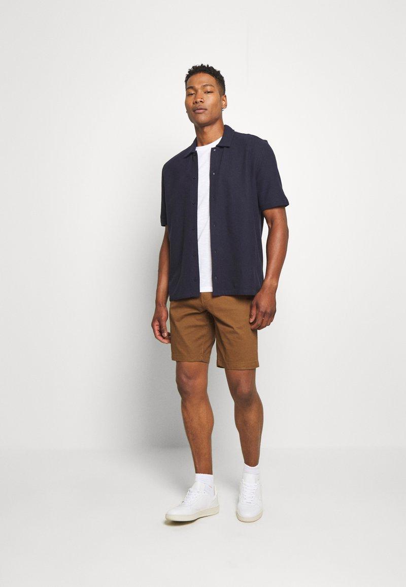 Burton Menswear London - 2 PACK - Shorts - navy/toffee