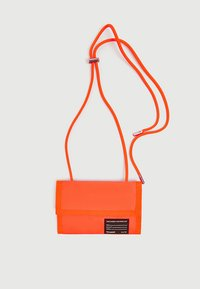 PULL&BEAR - Wallet - coral - 3