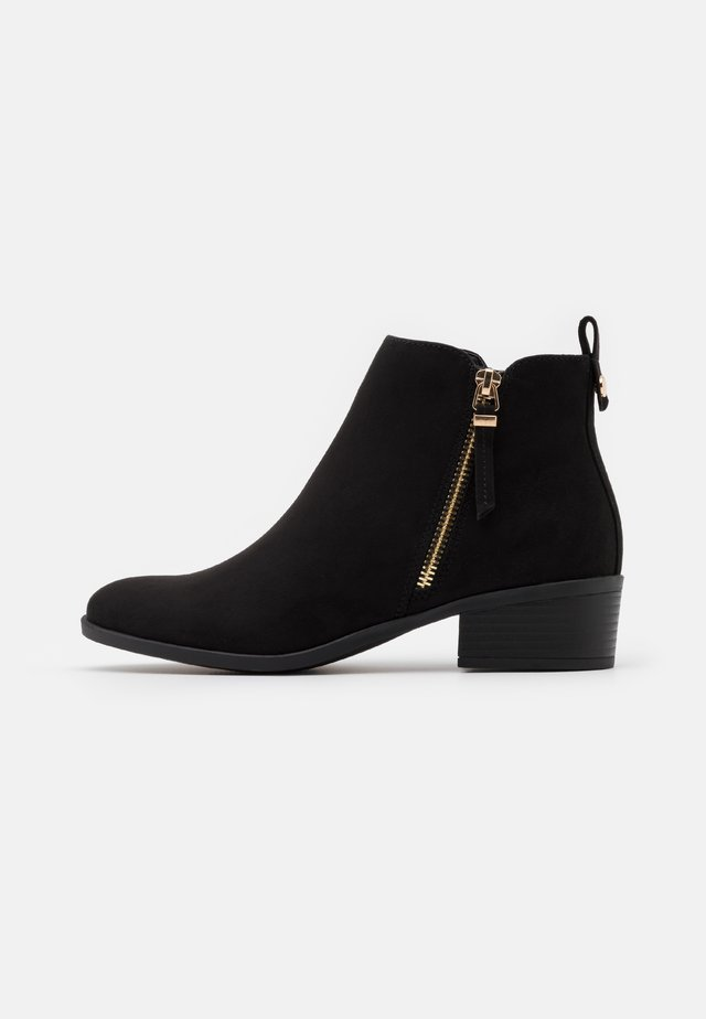 MACRO SIDE ZIP BOOT - Ankle boot - black