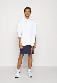 Even&Odd - BASIC - Bodycon mini skirt - Pouzdrová sukně - dark blue - 1