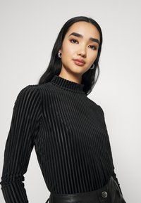 Monki - PIRA - Långärmad tröja - black - 3