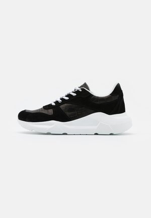 STACY - Trainers - black