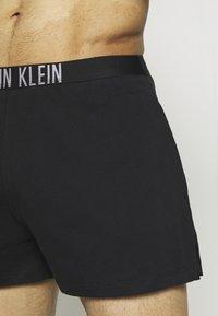 Calvin Klein Swimwear - INTENSE POWER SHORT - Shorts da mare - black - 2