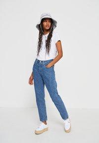 Levi's® - 501® CROP - Jeansy Straight Leg - blue denim - 4