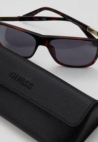 Guess - Sunglasses - havana - 2