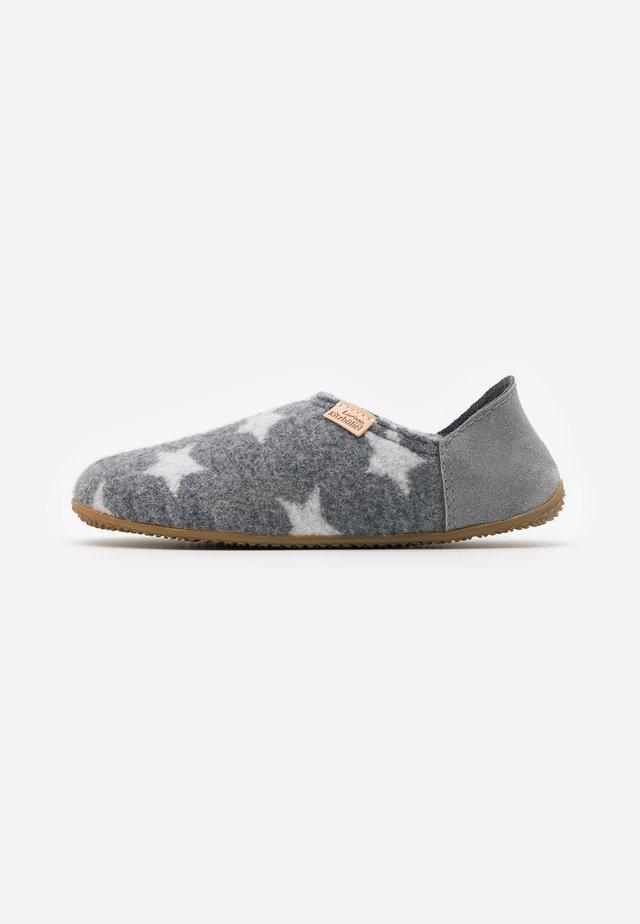 PANTOFFEL MIT STERNENWALK - Domácí obuv - grau