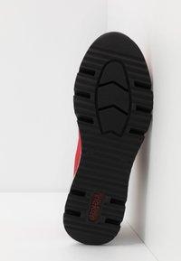 Rieker - Trainers - rot/schwarz - 6