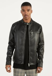 Bershka - BIKERJACKE AUS KUNSTLEDER 01291109 - Leather jacket - black - 0