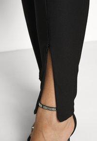 Noisy May Curve - NMSALLIE FRONT DETAIL LEGGING CURVE - Leggings - black - 5