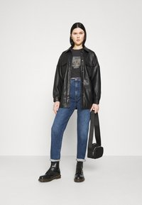 Abrand Jeans - CROP TEE - T-shirt print - faded black - 1