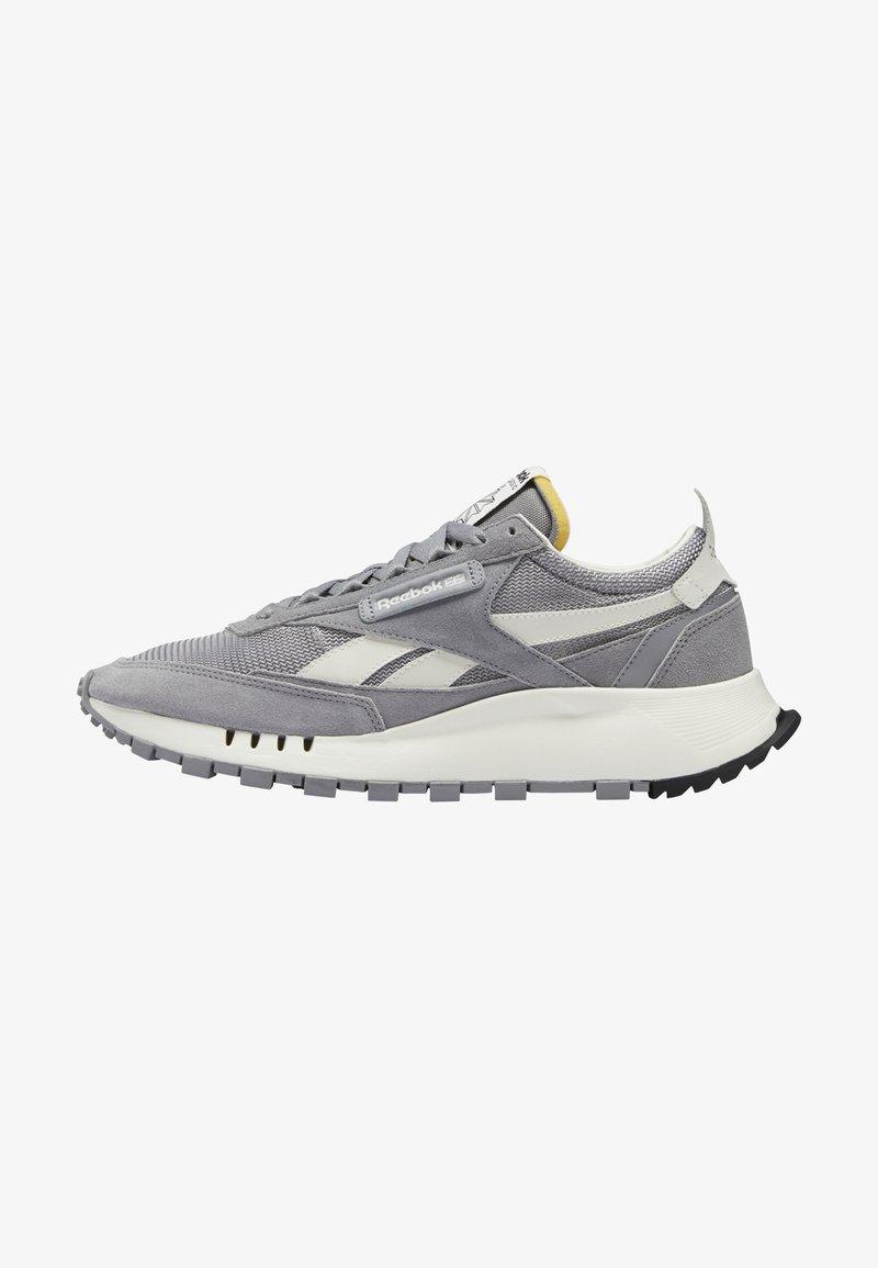 Reebok Classic - CLASSIC LEGACY UNISEX - Trainers - mgh solid grey/pure grey/chalk