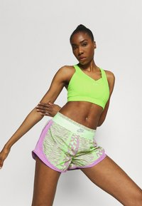 Nike Performance - BRA  - Medium support sports bra - lime glow/barely green - 3