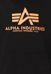 Alpha Industries - BASIC HOODY PRINT - Luvtröja - black/neon orange - 2