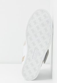 Guess - FOLLIE - Sneakers - white - 6