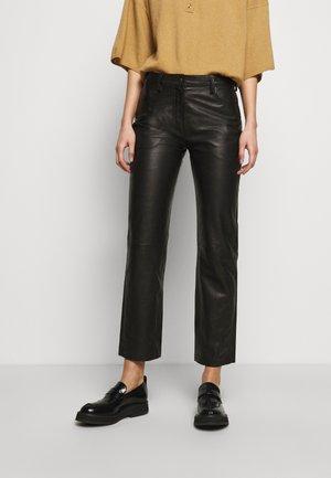 NAOKO - Kožené kalhoty - black