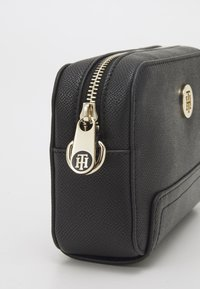 Tommy Hilfiger - HONEY CAMERA BAG - Across body bag - black - 10