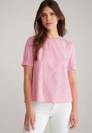 BETSIE - Blouse - pink/weiß