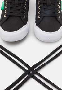 Benetton - TYKE - Sneakers laag - black - 5