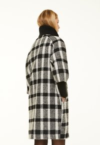 comma - Short coat - black white - 2