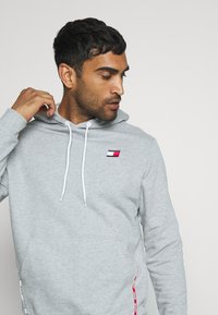 Tommy Hilfiger - PIPING HOODY - Sweat à capuche - grey - 3