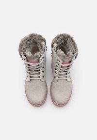 TOM TAILOR - Šněrovací kotníkové boty - ice - 3